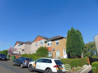 Property to rent in Croftside Avenue, Glasgow, G44