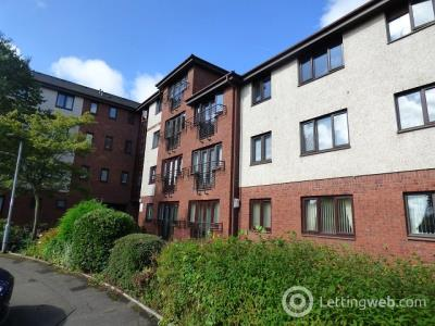 Property to rent in Springfield Crescent, Uddingston