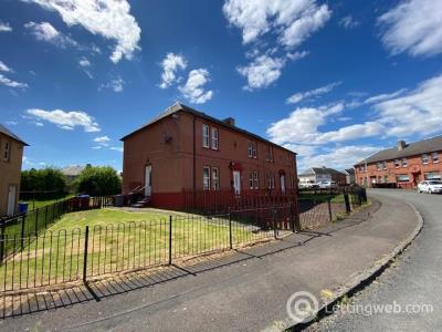 Property to rent in Hillside Crescent