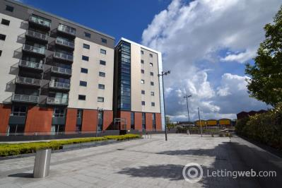 Property to rent in 11 Meadowside Quay Square