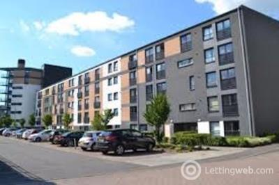 Property to rent in Firpark Court
