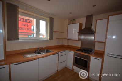 Property to rent in Redshank Avenue
