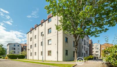 Property to rent in Headland Court Aberdeen AB10