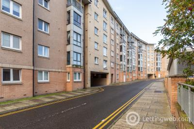 Property to rent in Bothwell Road Aberdeen AB24