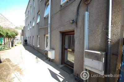 Property to rent in 17 Hall Place, Galashiels, TD1 1PH