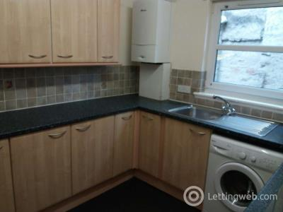 Property to rent in Flat 1, 66-68 Victoria Street, Perth