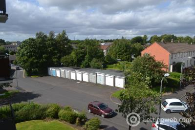 Property to rent in Dunglass Avenue