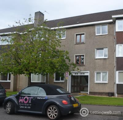 Property to rent in Kelso Drive