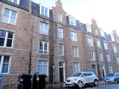 Property to rent in Raeburn Place, Rosemount, Aberdeen, AB25 1PP