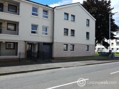 Property to rent in Wyndford Road