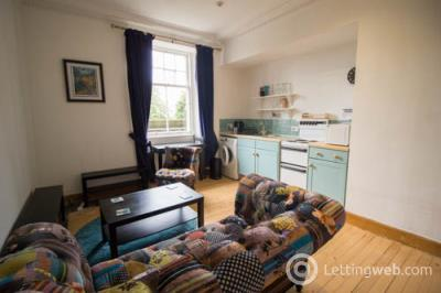 Property to rent in Taylor Gardens
