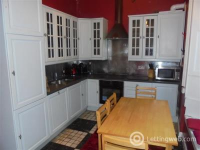 Property to rent in 11 1F1 West Maitland Street