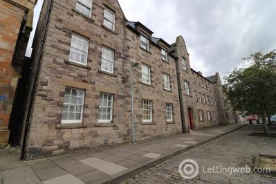 Property to rent in High Street, Dalkeith, EH22