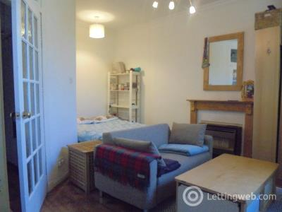 Property to rent in Beaverbank Place, Canonmills, EH7