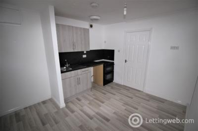 Property to rent in Union St, Montrose