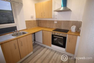 Property to rent in High St, Montrose