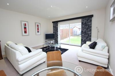 Property to rent in Devon Place, West End