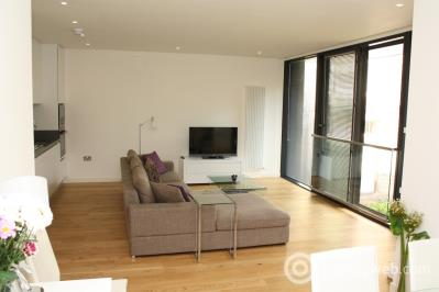 Property to rent in 18 Simpson Loan