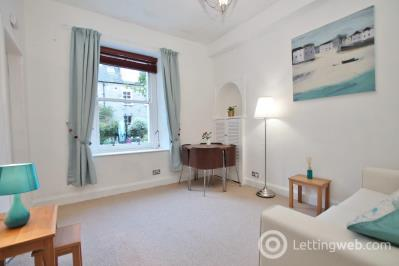 Property to rent in Avondale Place