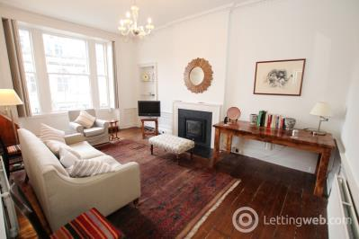 Property to rent in East Broughton Place