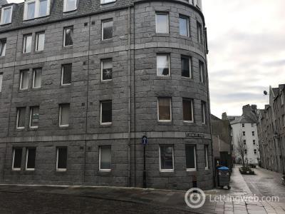 Property to rent in 13 Carmelite Street