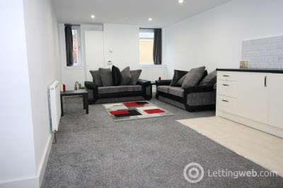 Property to rent in 2/4 St Andrews Lane