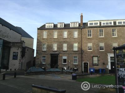 Property to rent in Flat 2, 10 Tay Square