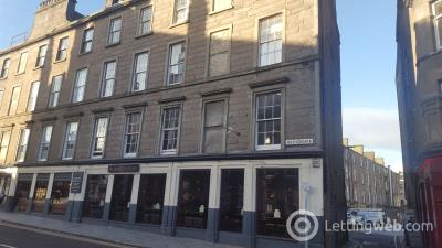 Property to rent in Fat B, 105B Nethergate,Dundee, DD1 4DH (£360 per person per month)