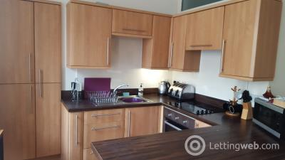 Property to rent in Flat B, 23