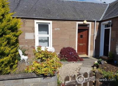 Property to rent in 76C High Street, Monifieth.