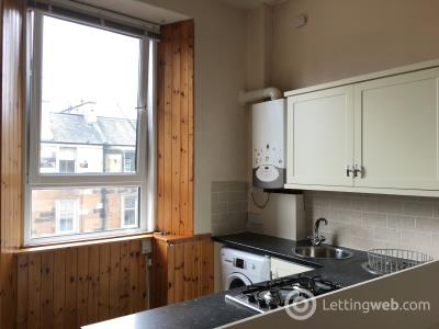 Property to rent in 17 Dalmeny Street, Flat 8