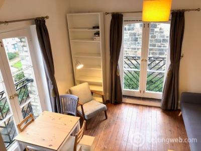 Property to rent in Rosemount Buildings