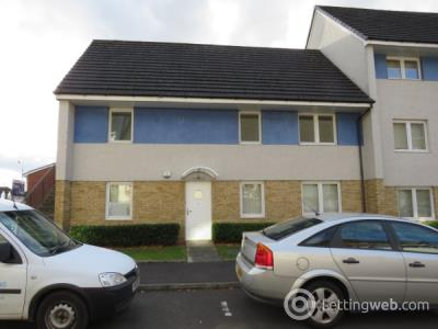 Property to rent in Hilton Gardens