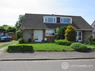 Property to rent in Spruce Drive, Lenzie