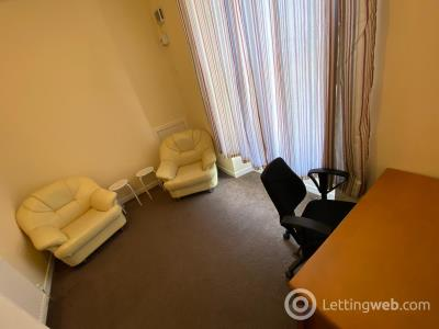Property to rent in 37B, Step Row, Dundee, DD2 1AH