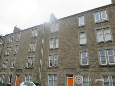 Property to rent in 9D Cardean Street