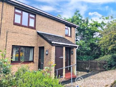 Property to rent in 14 Howth Drive, Glasgow, G13