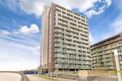 Property to rent in 13/3, 354 Meadowside Quay Walk, Glasgow, G11