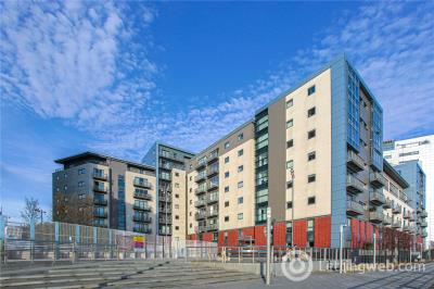 Property to rent in 5/3, 11 Meadowside Quay Square, Glasgow, G11