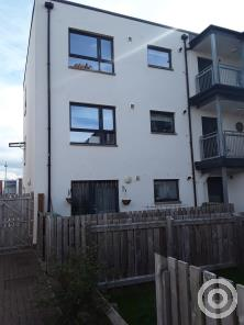 Property to rent in Murchie Crescent