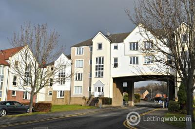 Property to rent in 10 Harbour Place, Dalgety By, KY11 9GD