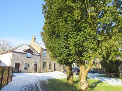 Property to rent in Chapel Road, Strathaven
