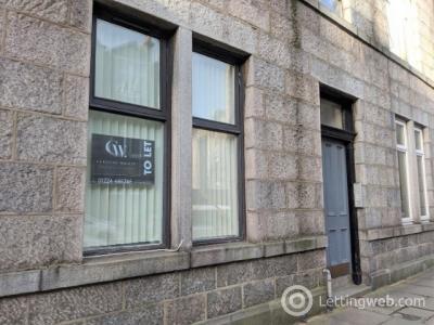 Property to rent in Wallfield Crescent, City Centre, Aberdeen, AB25 2TT