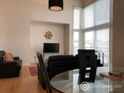 Property to rent in Queen's Crescent, West End, Aberdeen, AB15 4BE