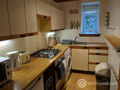 Property to rent in Caledonian Place, Ferryhill, Aberdeen, AB11 6TR