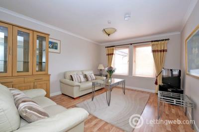 Property to rent in Viewfield Court, West End, Aberdeen, AB15 7AT