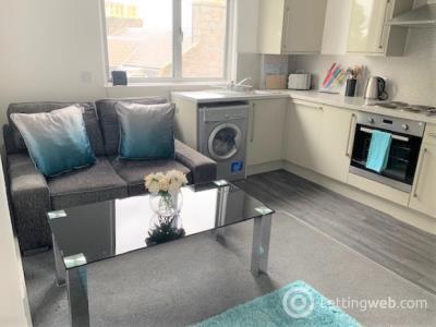 Property to rent in Esslemont Avenue, City Centre, Aberdeen, AB25 1SX