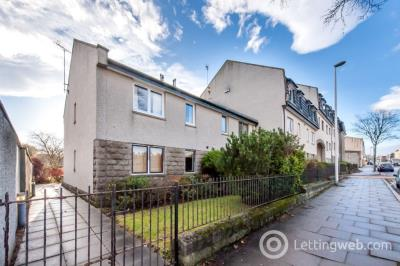 Property to rent in Ardarroch Court, Aberdeen, AB24 5QZ
