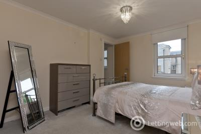 Property to rent in Kings Gate, West End, Aberdeen, AB15 4EL