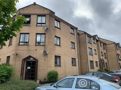 Property to rent in 23 Castle Court, Kirkintilloch, G66 1LL